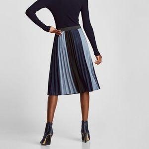 zara • pleated skirt